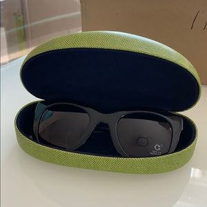 C. Wonder black w purple tint lens sunglasses NEW